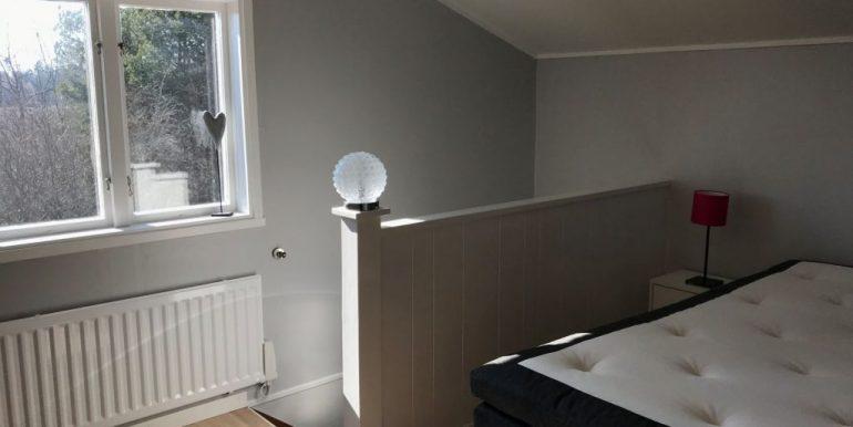 Black-bedroom-2-1024x768