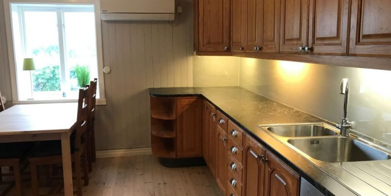 Kitchen-right-2-1024x768